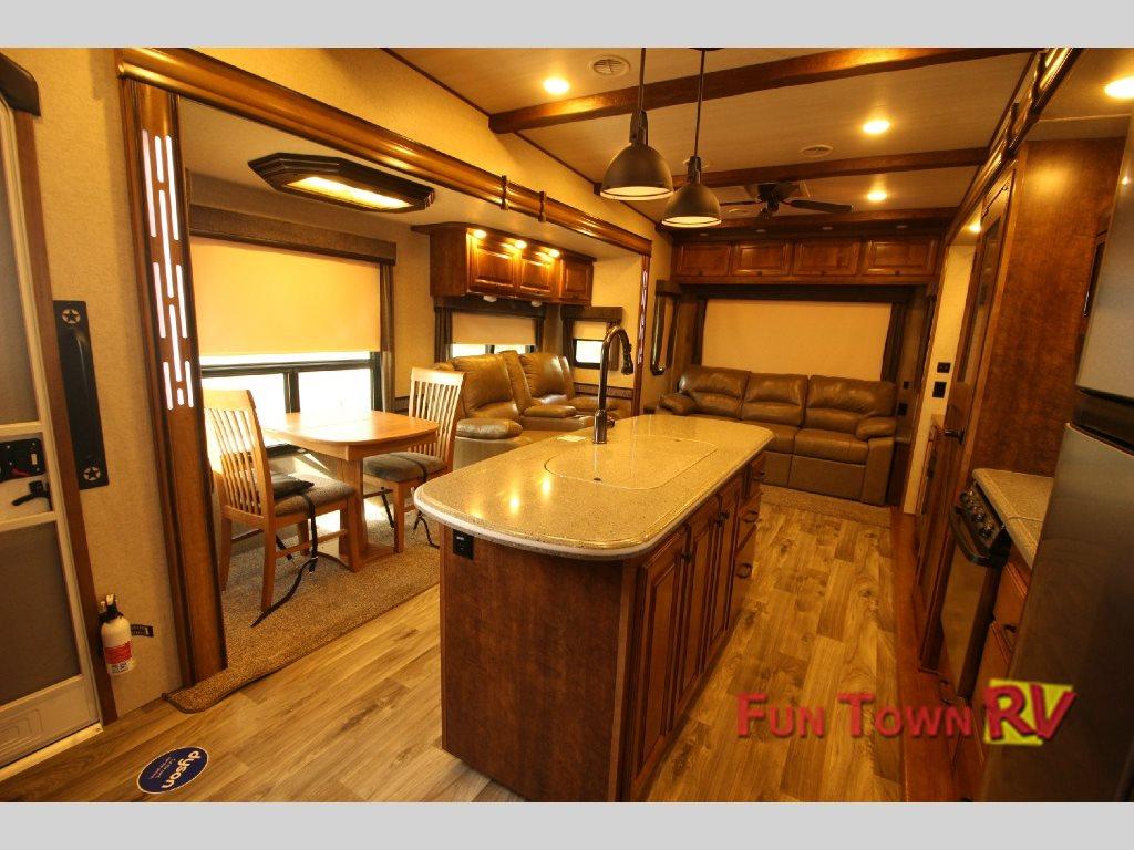 Cruiser South Fork Interior