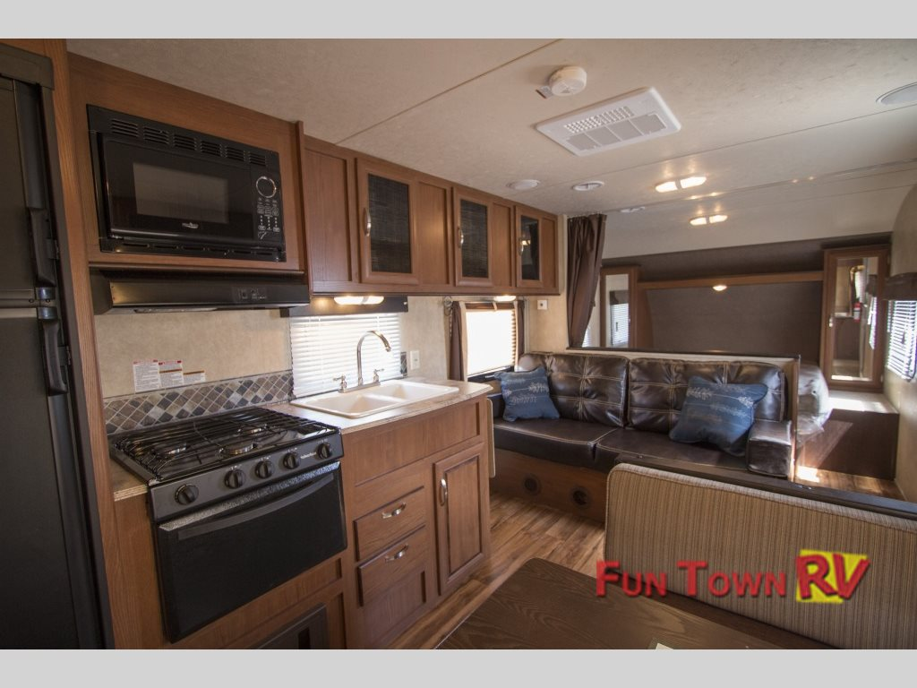 Wildwood X-Lite Travel Trailer Interior