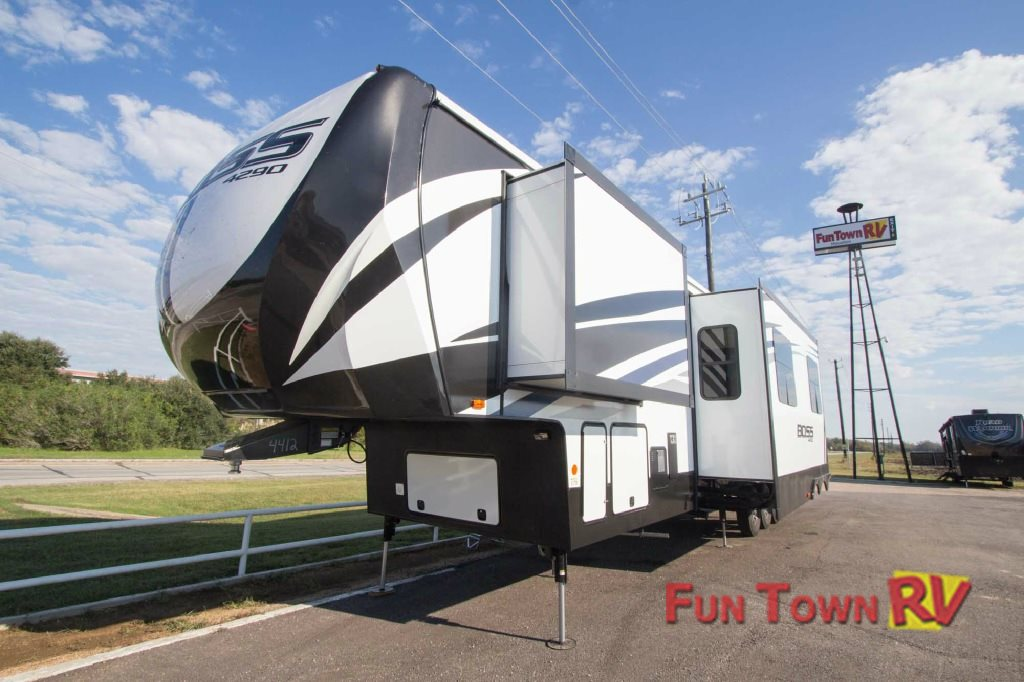 Cruiser Boss Fifth Wheel