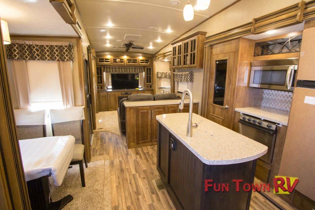 Coachmen Brookstone Fifth Wheel Interior