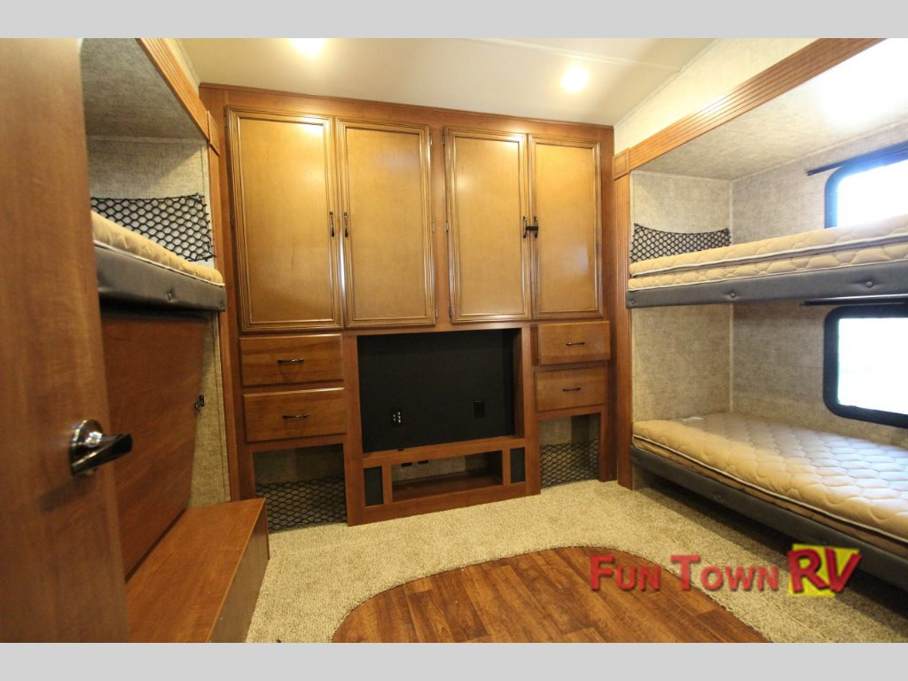 Forest River Sandpiper 380BH5 fifth wheel Bunkhouse