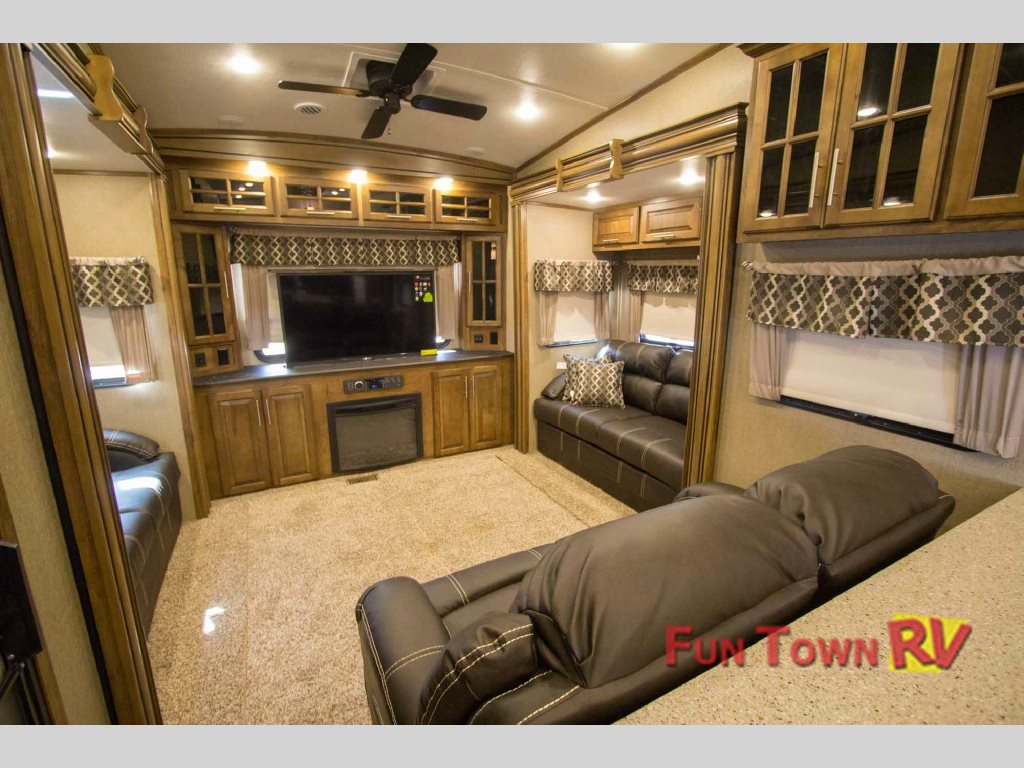 Brookstone 378RE fifth wheel Living Room