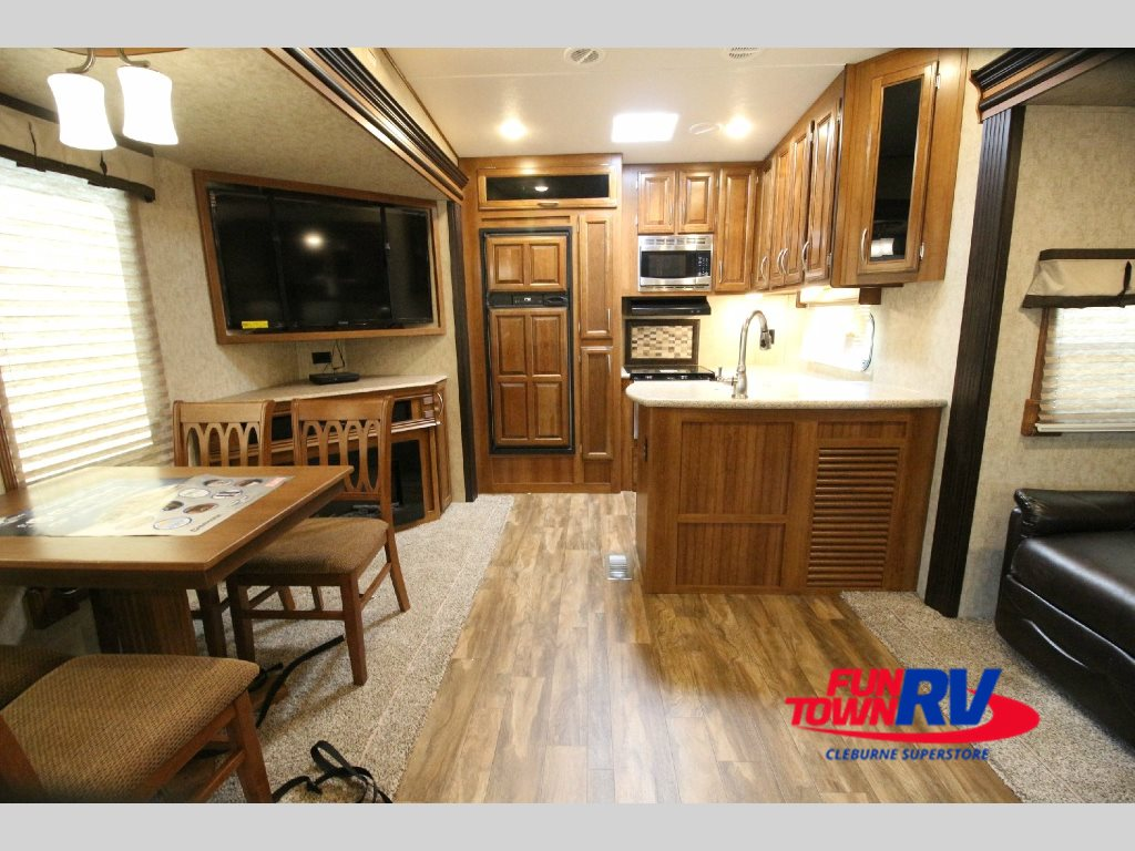 Prime Time Crusader Fifth Wheel Interior