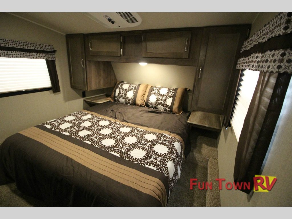 Puma Fifth Wheel Master Bedroom