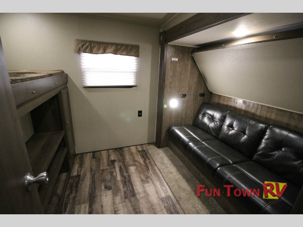 Puma Fifth Wheel Bunkhouse
