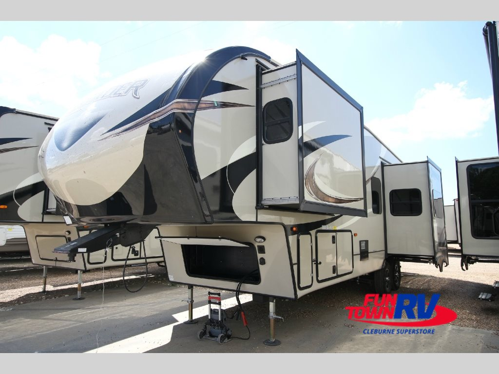 Prime Time Crusader Fifth Wheel
