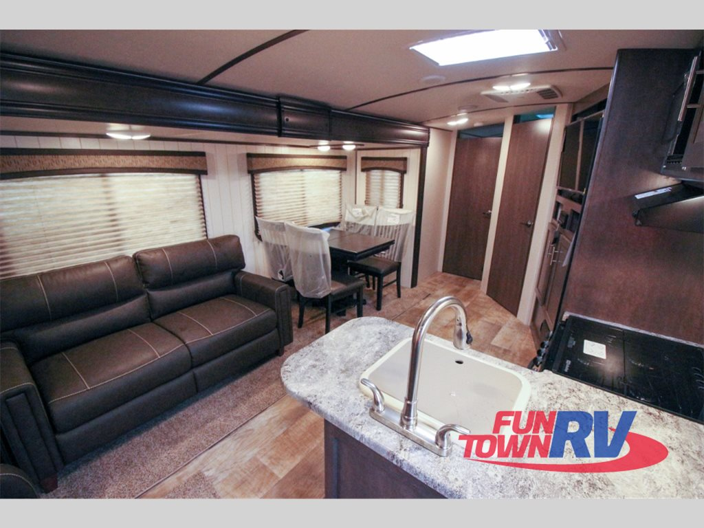 Crossroads Sunset Trail Super Lite Travel Trailers Interior