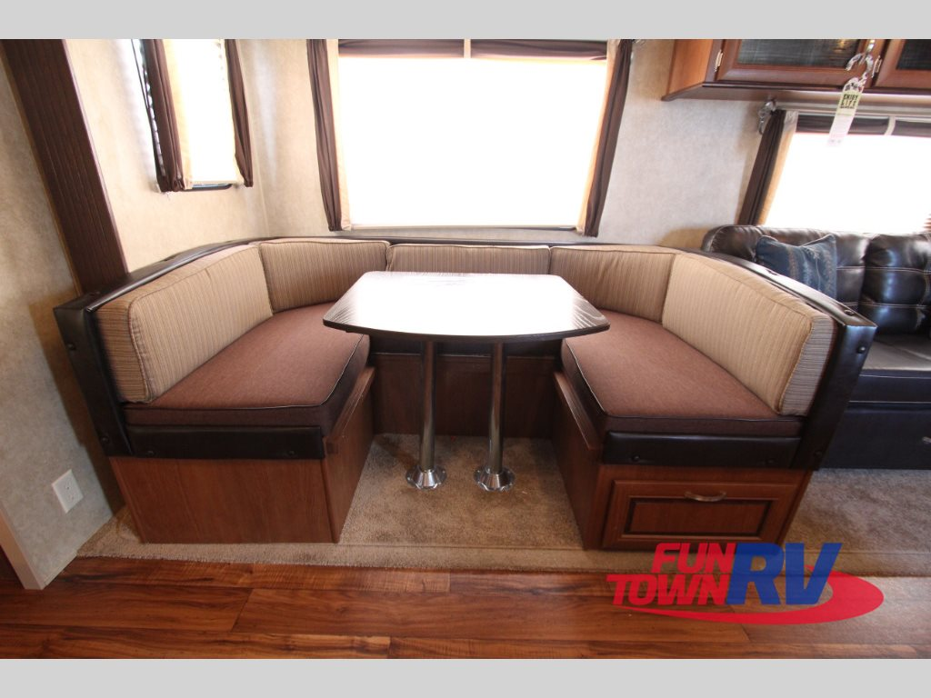 Forest River Wildwood 28DBUD Travel Trailer U- Shaped Dinette