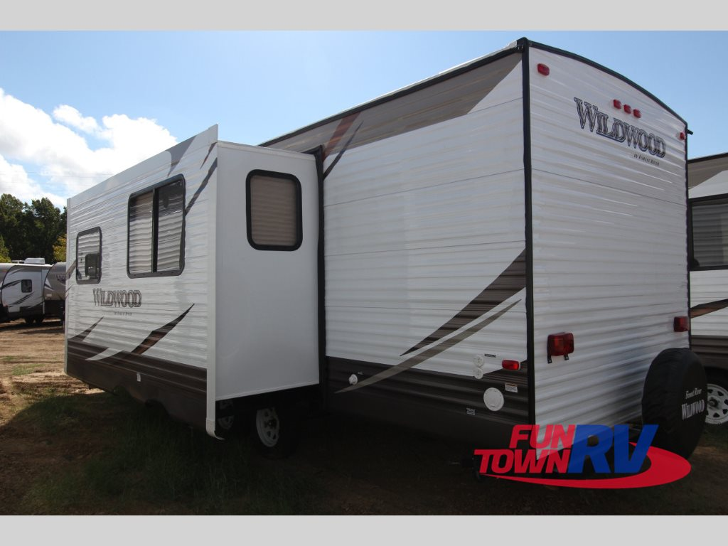 Forest River Wildwood 28DBUD Travel Trailer exterior