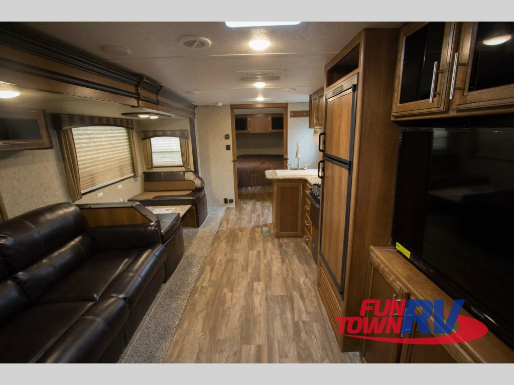 Prime Time Tracer Air Travel Trailer Living Area