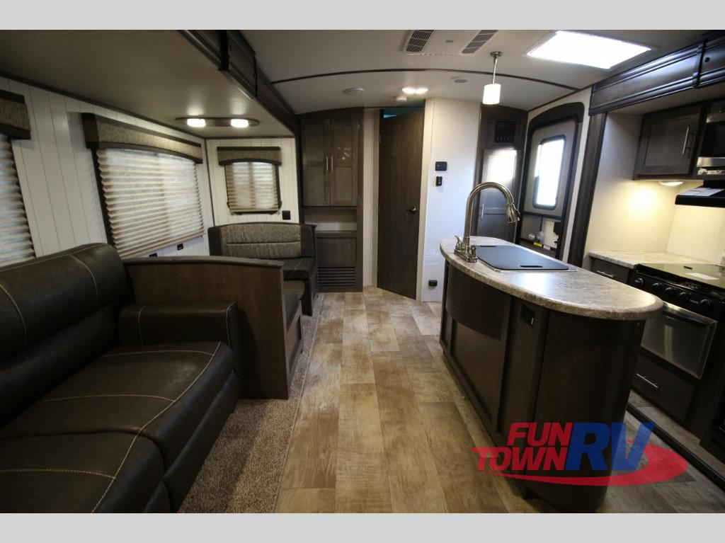 Crossroads Sunset Trail 331BH Travel Trailer Interior 2