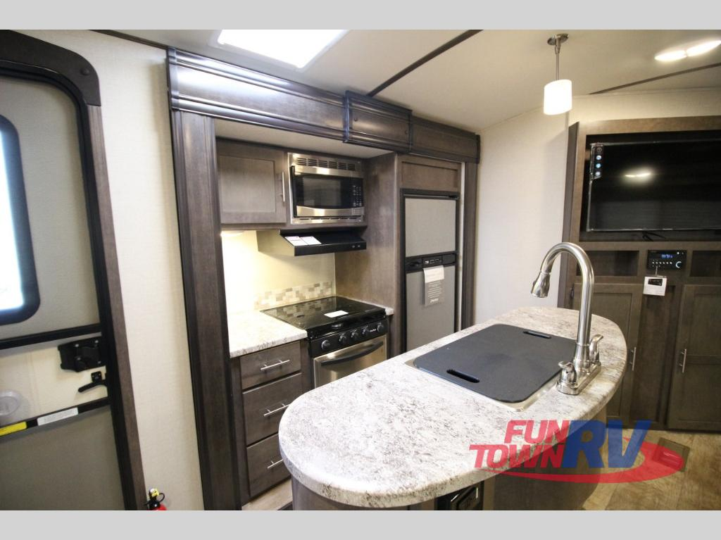 Crossroads Sunset Trail 331BH Travel Trailer Kitchen