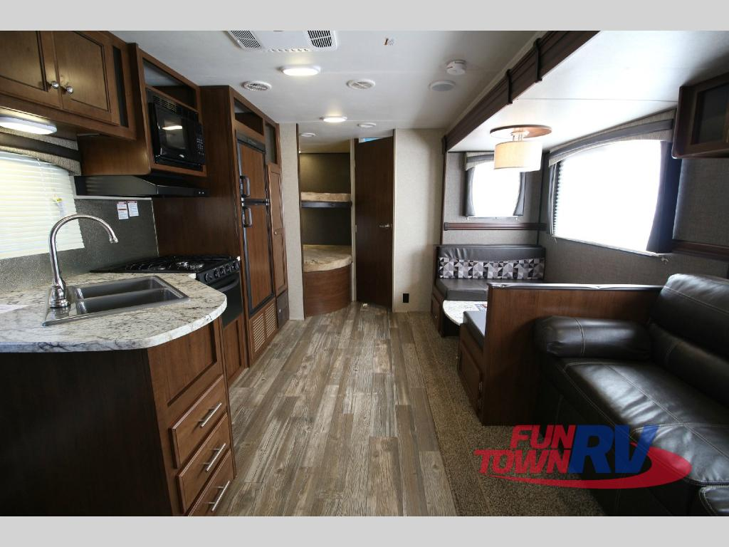 Heartland Trail Runner 27FQBS Travel Trailer Bunkhouse