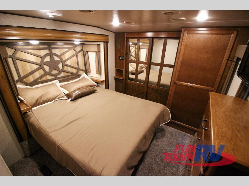 Cruiser RV South Fork Cameron Fifth Wheel Bedroom