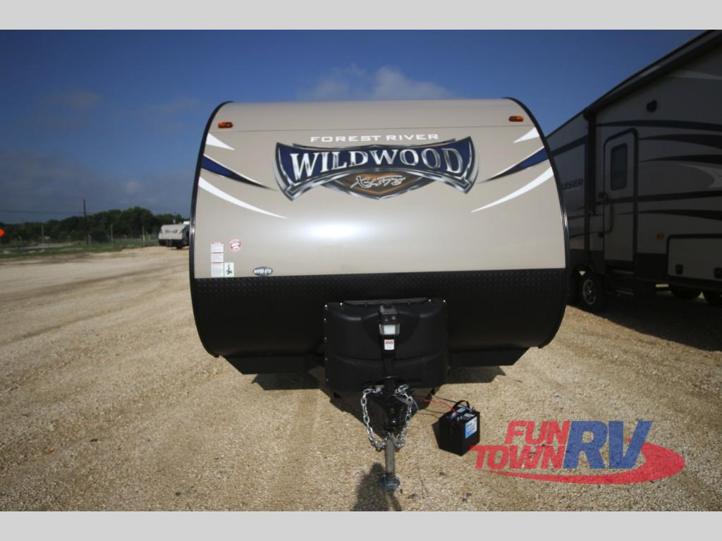 Forest River Wildwood X-Lite Travel Trailer FrontForest River Wildwood X-Lite Travel Trailer Front