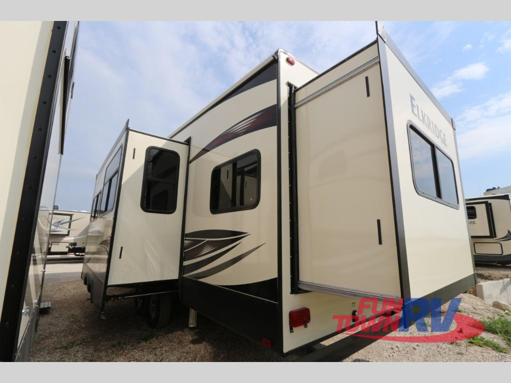 Heartland Elkridge Fifth Wheel Rear Slideout