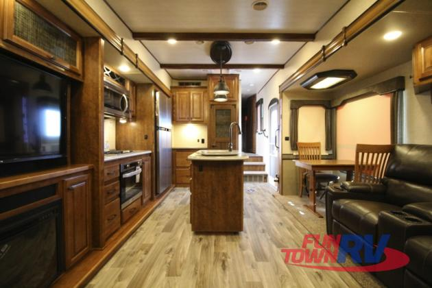 Cruiser South Fork Fifth Wheel Interior