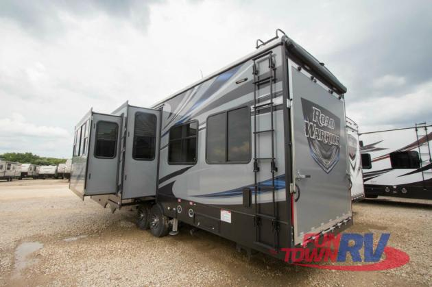 Heartland Road Warrior Fifth Wheel Toy Hauler rear