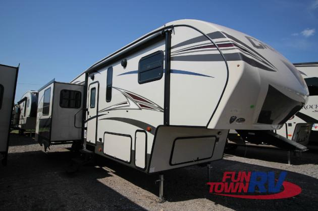 Prime Time Crusader Lite Fifth Wheel
