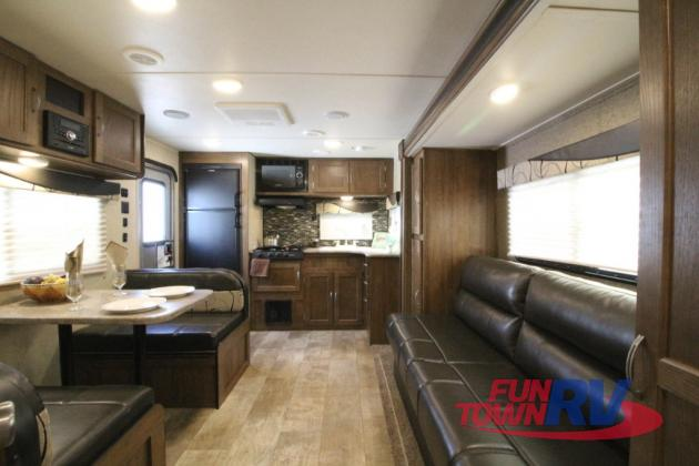 Gulf Stream Kingsport Travel Trailer Interior