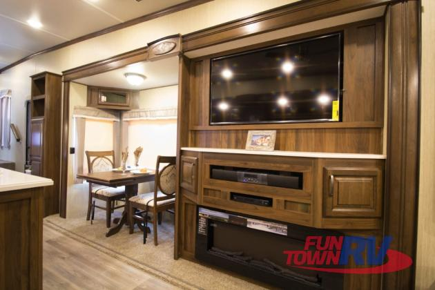 Palomino Columbus Compass Fifth Wheel Entertainment System