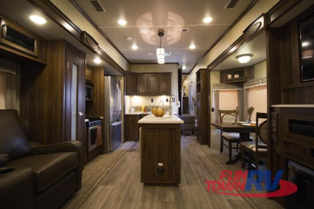 Palomino Columbus Compass Fifth Wheel Interior