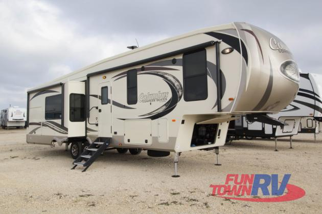 Palomino Columbus Compass Fifth Wheel