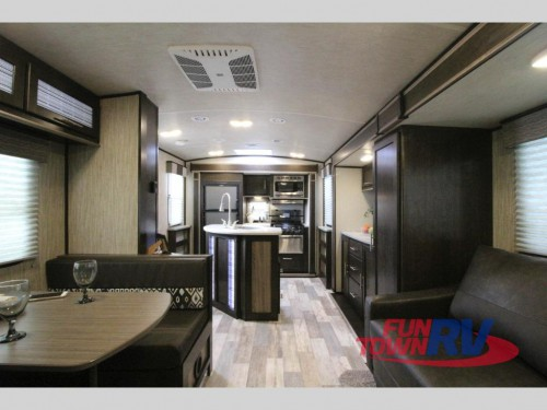 Fun Finder Xtreme lite 27IK Travel Trailer Interior