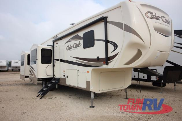 Forest River Cedar Creek Silverback Fifth Wheel