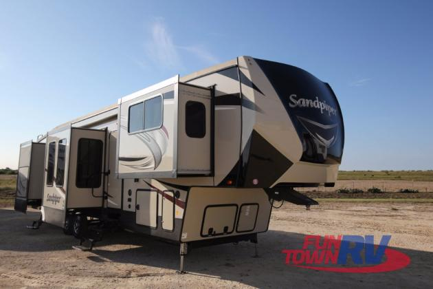 Forest River Sandpiper Fifth Wheel