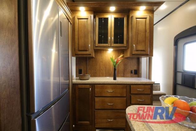 Shasta Phoenix Fifth Wheel Kitchen