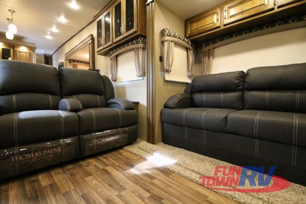 Shasta Phoenix Fifth Wheel Thomas Payne Furniture
