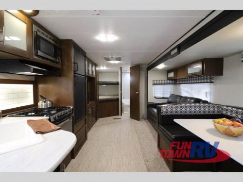 Primetime Avenger travel trailer Interior