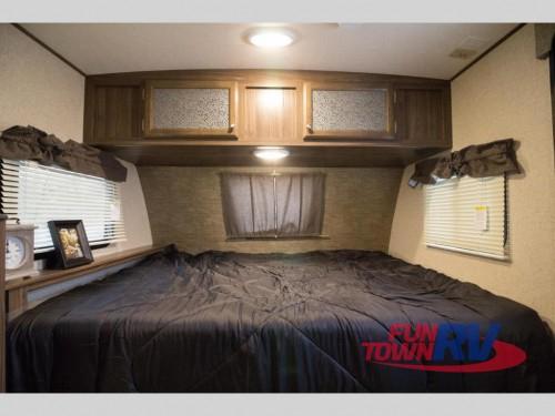 Coachmen Apex Nano Travel Trailer Bed