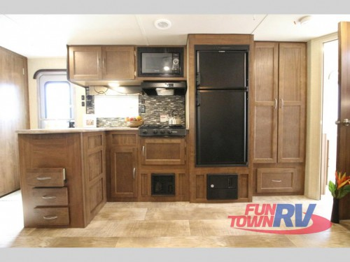 Kingsport Ultra-Lite 268BH Travel Trailer Kitchen