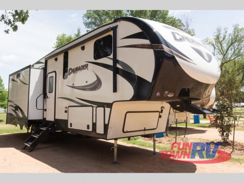 Prime Time Crusader Fifth Wheels