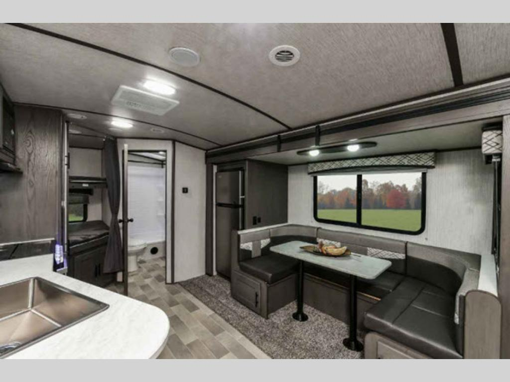 interior cruiser rv